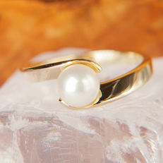14K Solitaire Lady's Ring Creme White fresh water Pearl 6,8 mm RS 55 :US: 7,5 : 17,6 mm∅