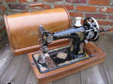 Singer 128K - sewing machine complete with cover, 1920