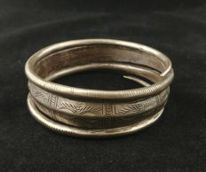 Antique silver bracelet - SE China, early 20th century