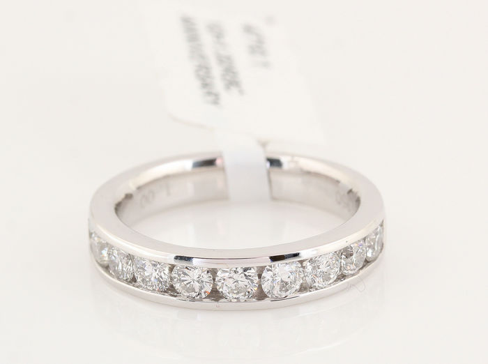 Platinum (950) diamond ring 1.00 ct / G-H VVS2-VS2 / Strong sparkle / Weight: 6.30 g / Ring size: 52 / Free shipping to the EU...
