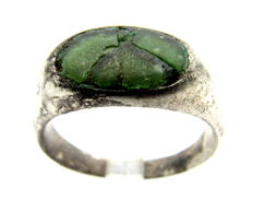 Ancient Roman Silver Legionary ring with Green Inlay in bezel - 18 mm
