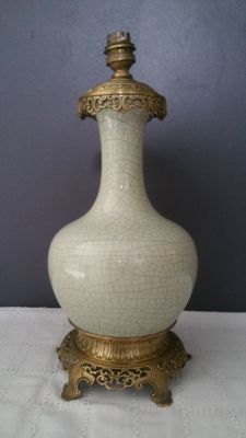 Chinese vase mounted on lamp, early 20th century