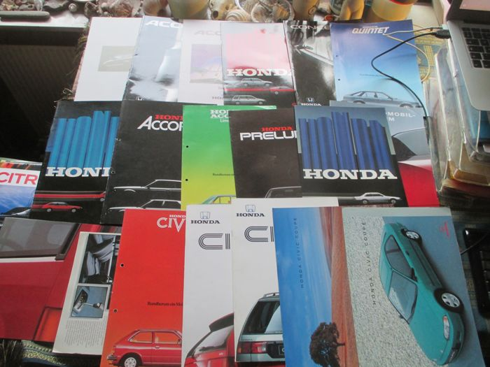 Car brochures (Honda, 19x, 1980-1993)