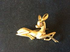 Fawn brooch in 18 kt gold