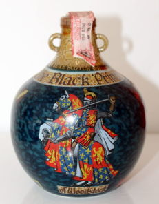 Black Prince 17 years old Beautifully painted ceramic of whisky rare bottle