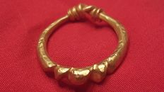 Viking Gold Ring with notche bezel - 18.2 mm