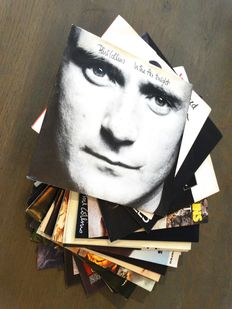 A fantastic pile of 31 singles by Phil Collins (18!), Talk Talk (7) ad Tears for Fears (6) - Music that colored the 1980's !!