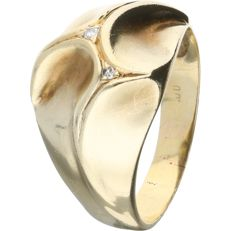 14 kt - Yellow gold Scandinavian design ring set with 2 brilliant cut diamonds of 0.015 ct in total - Ring size: 19.25 mm