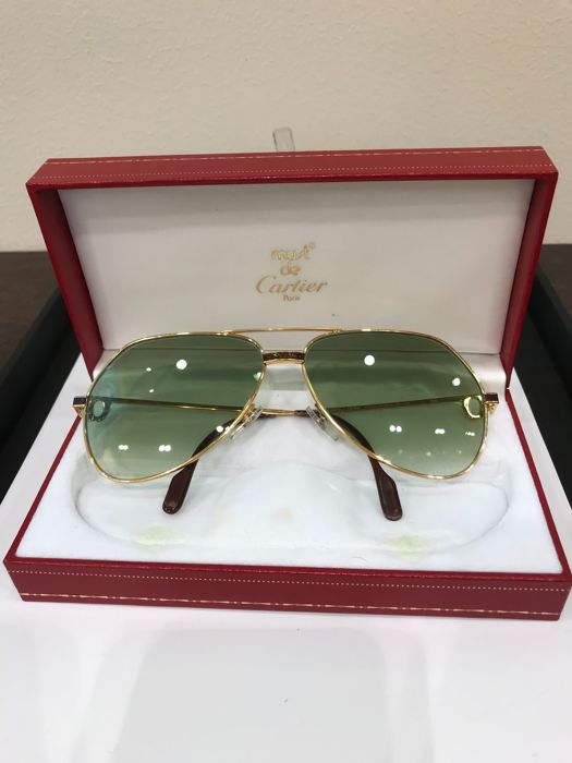 761fbc4ef0 Cartier - SANTOS VERDOME CHINESE RED LACQUER AND RED JEWELS Sunglasses -  Vintage - Catawiki