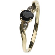 14 kt Yellow gold ring set with Sapphire and Diamond. Ring size: 17.75 mm