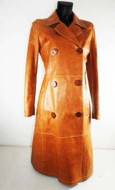 D&G leather coat trench coat extremely beautiful, inside as well as out