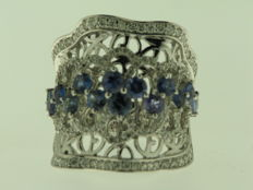 18 kt white gold, diamonds for 0.84 ct, blue sapphires for 1.96 ct - finger size 14