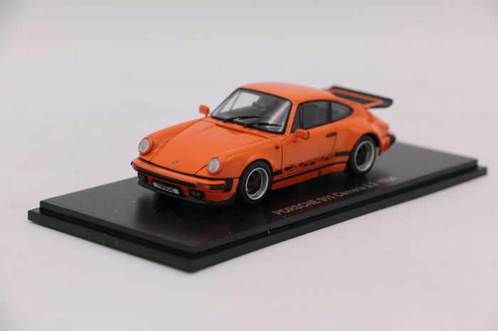 Kyosho - Scale 1/43 - Porsche 911 3.2 1984 - Orange