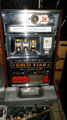 One-armed Bandit ARISTOCRAT Olympic plays well, neat mechanism with Jackpot