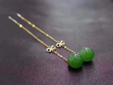 18 kt gold Jade earrings 1.9 Grams total weight Size 6 cm Length,Jade size: 7-8 mm