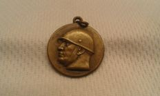 Mussolini small medal - Rare, Campaign of Africa (with fasces)