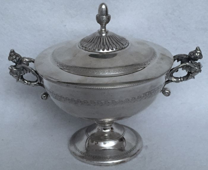 Sugar bowl in Renaissance revival style  Dabbene silverware, Milan, 20th century