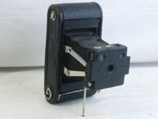 KODAK n.1 FOLDING POCKET, 6x9cm on 120 film, with red bellows,circa 1905. EXC+