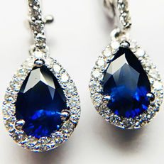 2.13ct Sapphire and Diamond Earrings made of 18 kt white gold - Length of Earrings: 25mm - NO RESERVE -