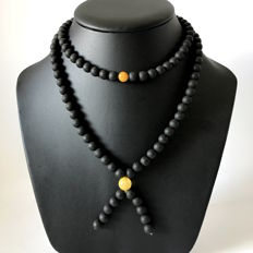 Long Tibetan 108 beads Mala Necklace 38.9 gr – natural Baltic Amber beads 8.4 mm in diameter - no reserve!