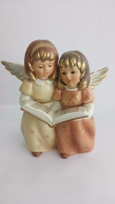 Goebel Figurine, no. 41-084, 'Singing Angel pair with song book in gold/pink'