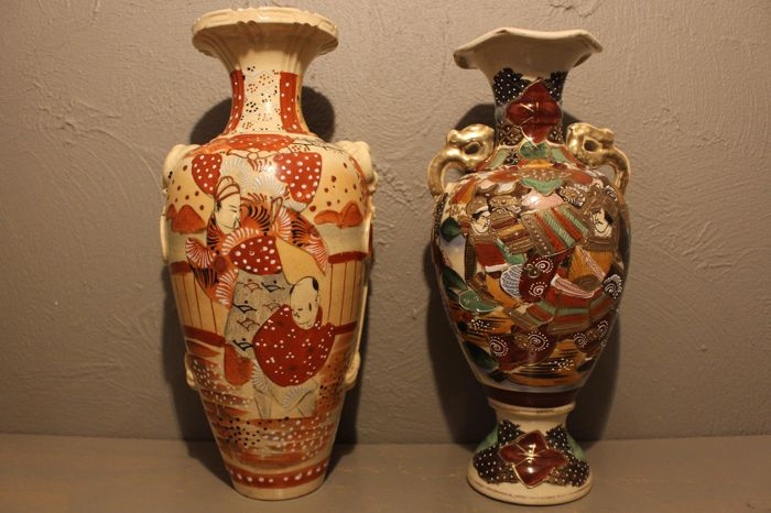 Set of 2 Satsuma vases - Japan - 1st half 20th century