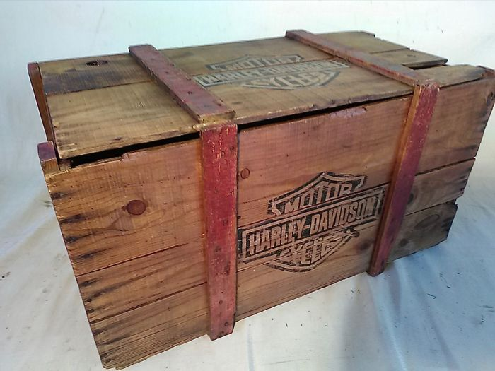 Large rustic box printed H-D, first half of the 1900s