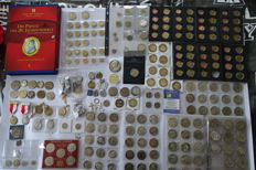 Vatican - Lot of unofficial medals and Probe coins