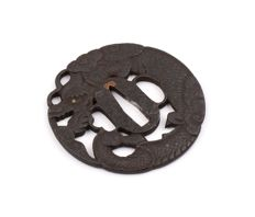 Iron sukashi tsuba - Dragon - Echizen Kinai - Japan - 17th/18th century
