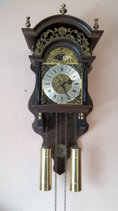 "Wuba Sallanders ""stoeltjes"" clock with a moon phase - second half of the 20 century Netherlands"