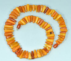 Vintage Baltic Amber necklace butterscotch honey colour with box, 51 gr