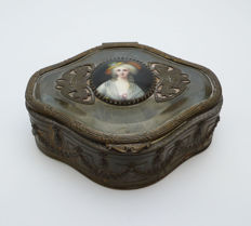 Jewels box in metal with bevelled glass and fringed with painted medallion - France - 19th century