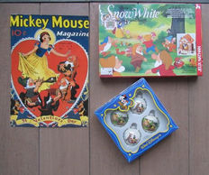 Disney, Walt - Board game Jeu Nathan + Christmas baubles + Giant postcard - Snow White and the Seven Dwarfs (1980s)
