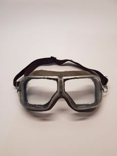 Wonderful Russian Pilot Goggles, produced in February 1961 (rare to find original!) new conditions.