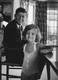 Alfred Eisenstaedt (1898-1995) - John F. Kennedy and daughter Caroline, 1960