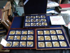 The Netherlands - 3 cassettes with 36 gold plated medals 1997/1999 - Capitals and Celebrities of the European Union