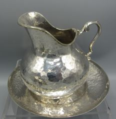 Silver creamer on saucer -entirely hammered - Greece - 20th century