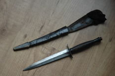 English commando dagger