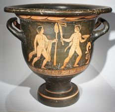 Greek red figured bell-krater of the Painter of Karlsruhe B 9. H 32 cm