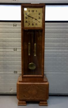 Standing clock with percussion on gong - Amsterdam School