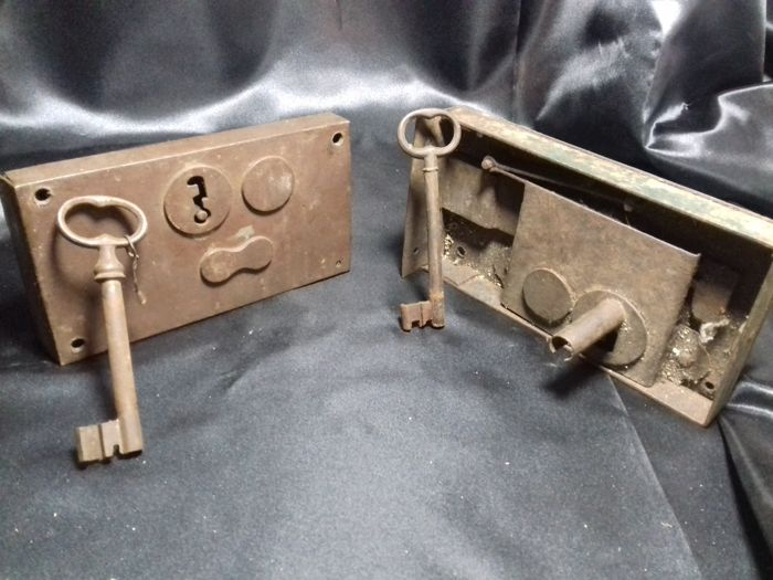 Two old lock with keys