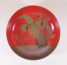 A large red lacquer ware ('urushi') drinking dish ('sakazuki') meant for the wedding ceremony - Japan - ca. 1910-1925 (Meiji / Taisho period)