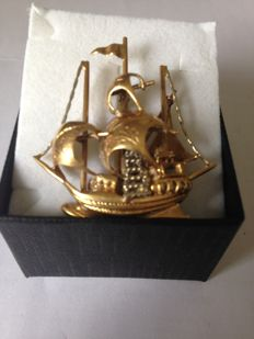 18 kt gold Galleon