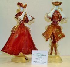 Rubelli Vetri D'Arte - pair of Goldoniane red / 24 kt gold figurines
