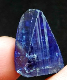 Natural & Unheated Purple Blue Color Tanzanite Crystal - 20x13x8 mm - 18.70 ct