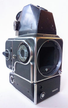 Hasselblad 500EL/M motor camera with AA battery pack - V viewfinder with light meter - back A12 Magazine 6x6