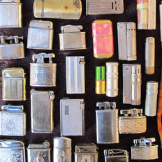 LOT: 32 old gas lighters - (France-England-USA-Austria-China) - 1940/1955 - Metal