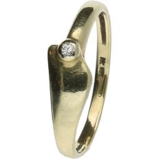 14 kt Yellow gold fantasy ring set with Diamond. Ring size: 16 mm