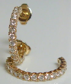 1.0 ct gold earrings with natural diamonds ***no reserve***