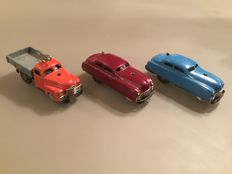 Schuco, US Zone Germany - Length 11 cm - lot with 3 Varianto cars: 3042 and 2 x 3041 with clockwork motor,1950s